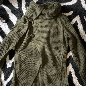 Green Sweater.  NWOT.  No Size.